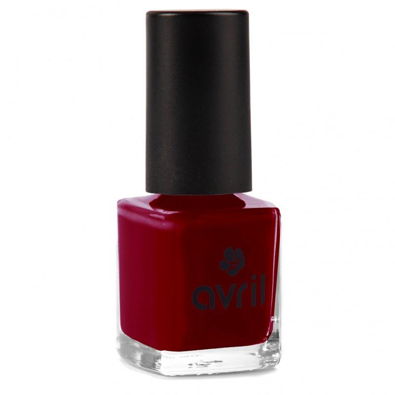 Nail polish bordeaux, dark red